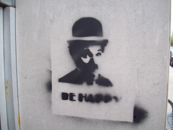 "Best Stencil Art Street Lessons Street Art: ""Be Happy"" Stencil 