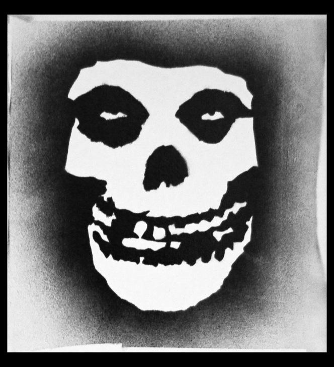 Fine Skull Graffiti Stencil Tutorial Misfits Logo Stencil   Misfits Fiend Skull Graffiti By Xxsaint Pic