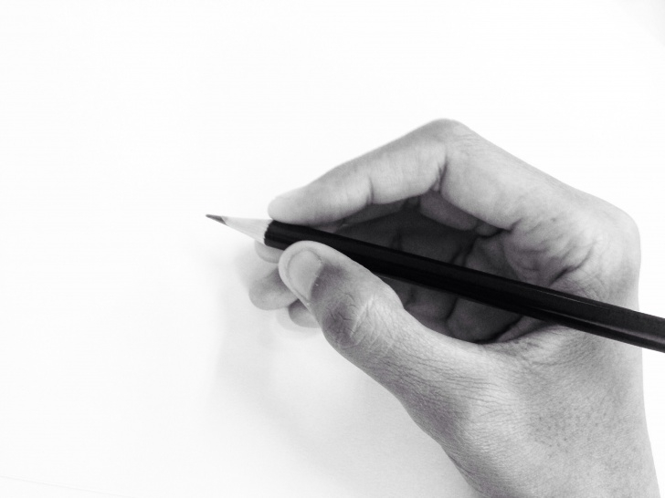Interesting Holding A Pencil Drawing Free The Right Way To Hold A Pencil For Drawing Pictures